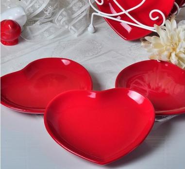 Keramika 6 Parça 20 Cm Kırmızı Bayrak Kalp Pasta Tabağı